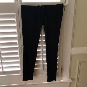 Black leggings/jeans